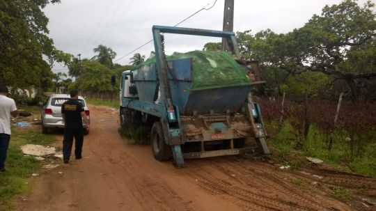 Fiscalização Ambiental de Natal apreende caminhão despejando RCC (1)